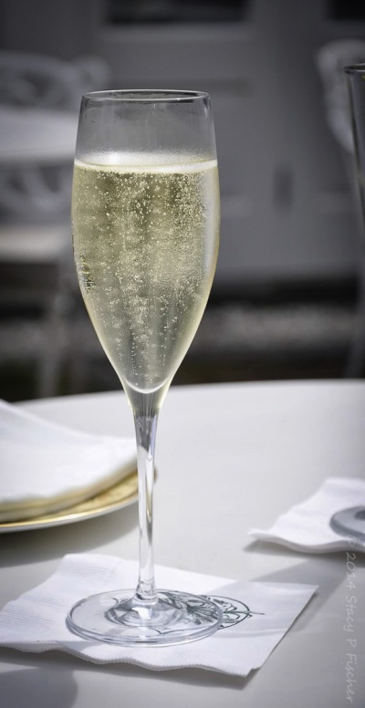 glass of bubbly champagne