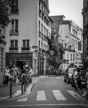 Rue Chanoinesse, Paris, France