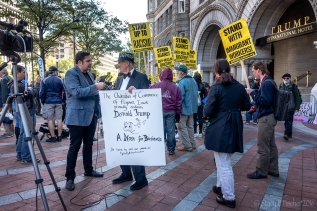 2016-10-trump-hotel-protest-10