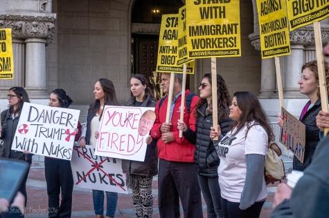 2016-10-trump-hotel-protest-4a